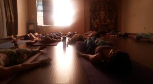 Yoganidra em aula do Prof. Cristiano Bezerra no Espaço Respire em 17 de janeiro de 2015. Foto por Cristiano Bezerra