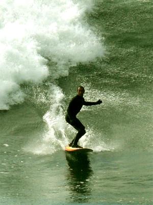 Pedro Kupfer (1966-) a surfar