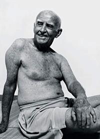 Professor Hermógenes em sukhavakrasana na década de 2000