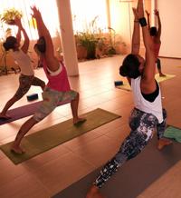 Aula de Ashtanga Vinyasa Yoga no Núcleo Sol. Foto por Cristiano Bezerra.